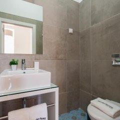 Отель Feels Like Home Rossio Prime Suites 4* Стандартный номер фото 7