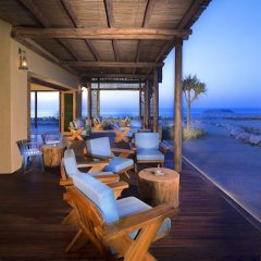 Отель Anantara Al Sahel Villa Resort гостиничный бар