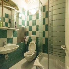 Отель Angel's Place Vienna 3* Номер с общей ванной комнатой фото 4
