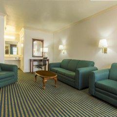 Отель Milpitas Inn 2* Люкс повышенной комфортности с различными типами кроватей фото 2