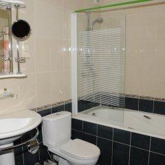 Гостиница Грин Казахстан, Атырау - отзывы, цены и фото номеров - забронировать гостиницу Грин онлайн ванная