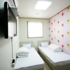 Отель Tomo Residence 2* Стандартный номер с 2 отдельными кроватями фото 2
