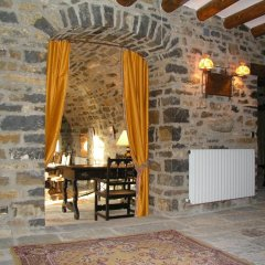 Отель La Abadia Испания, Аинса - отзывы, цены и фото номеров - забронировать отель La Abadia онлайн интерьер отеля фото 2