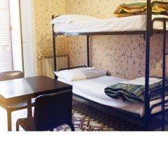 M&J Place Hostel Rome Кровать в общем номере с двухъярусной кроватью