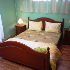 Гостиница Марсель 2* Стандартный номер с двуспальной кроватью (общая ванная комната)