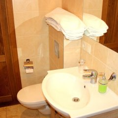 Отель R&R Spa Villa Trakai Литва, Тракай - отзывы, цены и фото номеров - забронировать отель R&R Spa Villa Trakai онлайн ванная фото 2