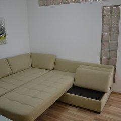 Апартаменты Peevi Apartments Солнечный берег комната для гостей фото 3