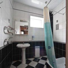 ХЗ Хостел Кровать в общем номере с двухъярусной кроватью фото 13