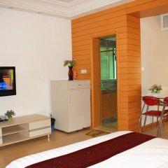 Апартаменты She & He Service Apartment - Huifeng Номер Делюкс с различными типами кроватей фото 5