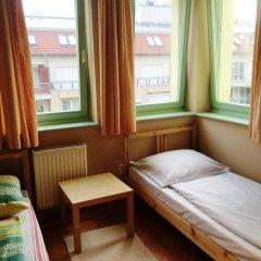 Отель Urban Life Guesthouse Венгрия, Будапешт - отзывы, цены и фото номеров - забронировать отель Urban Life Guesthouse онлайн комната для гостей фото 2