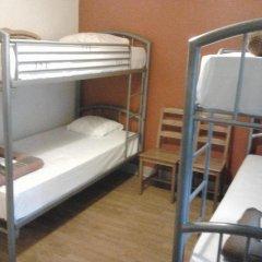 Brussels Louise Hostel Кровать в общем номере с двухъярусной кроватью фото 4