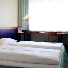 AZIMUT Hotel City South Berlin 3* Стандартный номер с двуспальной кроватью