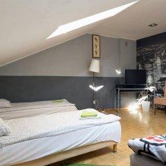 Гостевой Дом Anton House Стандартный семейный номер с двуспальной кроватью (общая ванная комната) фото 4