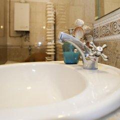 Отель Liana-Luxury And Central Flat Венгрия, Будапешт - отзывы, цены и фото номеров - забронировать отель Liana-Luxury And Central Flat онлайн ванная фото 2
