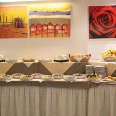 Отель Tre Rose Риччоне питание