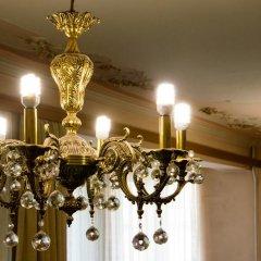 Мини-отель Версаль на Маяковской 2* Стандартный семейный номер разные типы кроватей (общая ванная комната) фото 10