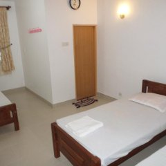 Отель Mayura Rest Inn комната для гостей фото 2