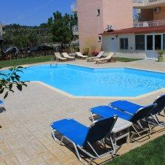 Vamvini Hotel бассейн