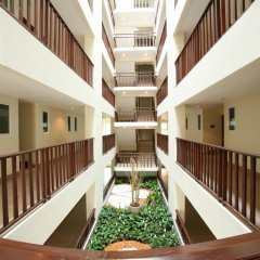Отель Jomtien Beach Residence Таиланд, Паттайя - 1 отзыв об отеле, цены и фото номеров - забронировать отель Jomtien Beach Residence онлайн интерьер отеля