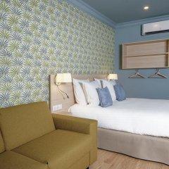 Отель Hôtel Du Centre 2* Стандартный семейный номер с двуспальной кроватью фото 14