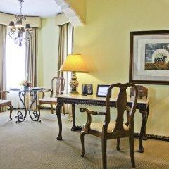 Отель Hilton Guatemala City 4* Люкс с различными типами кроватей