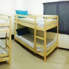 Отель Durian Inn Кровать в общем номере фото 2