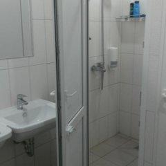 Гостиница Hostel Uyut в Саратове отзывы, цены и фото номеров - забронировать гостиницу Hostel Uyut онлайн Саратов ванная фото 2