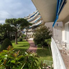 Отель La Tour Sarrasine Франция, Ницца - отзывы, цены и фото номеров - забронировать отель La Tour Sarrasine онлайн балкон