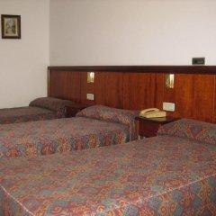 Отель Hostal Linar Стандартный номер с различными типами кроватей фото 2