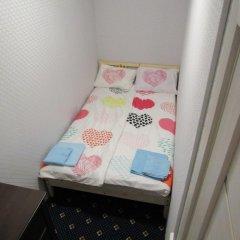 Хостел Aleks Бюджетный номер двуспальная кровать фото 2