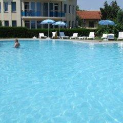 Отель Sirius Beach Болгария, Св. Константин и Елена - отзывы, цены и фото номеров - забронировать отель Sirius Beach онлайн бассейн
