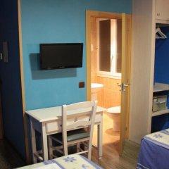 Отель Hostal Regio Номер категории Эконом с различными типами кроватей фото 17