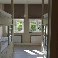 Five Point Hostel Кровать в общем номере с двухъярусной кроватью