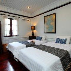 Отель Cafe de Laos Inn 3* Улучшенный номер с двуспальной кроватью