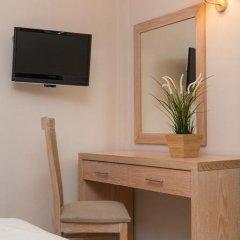 Отель Mary's Residence Suites удобства в номере фото 2