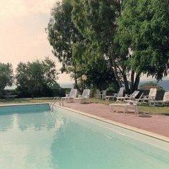 Отель Villa Celeste Монтескудаио бассейн
