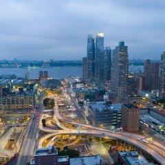 Отель Hampton Inn Manhattan/Times Square South США, Нью-Йорк - отзывы, цены и фото номеров - забронировать отель Hampton Inn Manhattan/Times Square South онлайн балкон