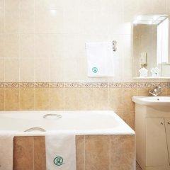 Гостиница Ярославская 3* Стандартный семейный номер с разными типами кроватей фото 8
