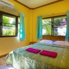 Отель Yellow Villa With Pool in Rawai комната для гостей