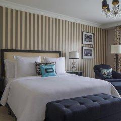 Four Seasons Hotel Prague 5* Номер Делюкс с двуспальной кроватью фото 2