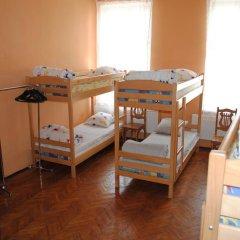 Play Hostel Кровать в общем номере фото 4