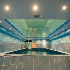 Hotel Aura бассейн