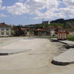 Отель Bonevi Guest House Болгария, Боженци - отзывы, цены и фото номеров - забронировать отель Bonevi Guest House онлайн парковка