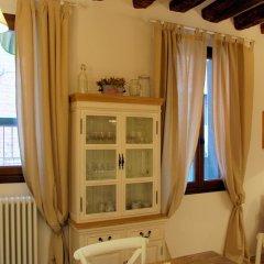 Отель Romantic Rialto Италия, Венеция - отзывы, цены и фото номеров - забронировать отель Romantic Rialto онлайн удобства в номере фото 2
