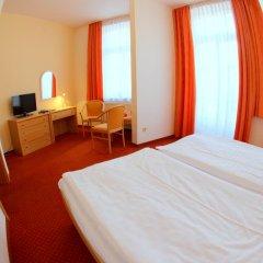 Отель Flora Чехия, Марианске-Лазне - отзывы, цены и фото номеров - забронировать отель Flora онлайн комната для гостей