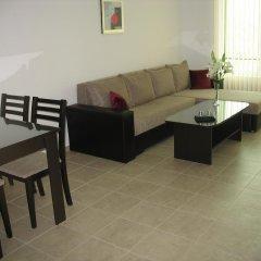 Апартаменты Yanis Apartment In Hermes Complex Солнечный берег комната для гостей фото 4