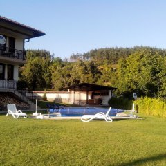 Отель Sinabovite Houses Болгария, Боженци - отзывы, цены и фото номеров - забронировать отель Sinabovite Houses онлайн бассейн