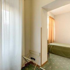 Hotel King 3* Стандартный номер с 2 отдельными кроватями фото 4