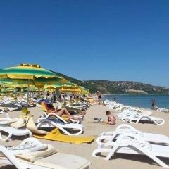 Отель Holiday Home Okka By Болгария, Балчик - отзывы, цены и фото номеров - забронировать отель Holiday Home Okka By онлайн пляж фото 2