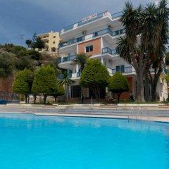 Hotel Dea бассейн